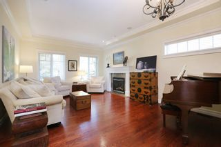Photo 2: 1378 MATHERS Avenue in West Vancouver: Ambleside House for sale : MLS®# R2287960