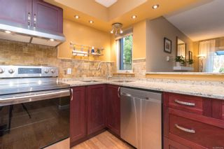 Photo 13: 40 Demos Pl in : VR Glentana House for sale (View Royal)  : MLS®# 867548