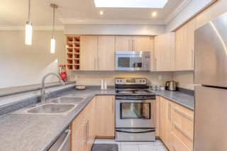 """Photo 2: 310 932 ROBINSON Street in Coquitlam: Coquitlam West Condo for sale in """"The Shaughnessy"""" : MLS®# R2438593"""