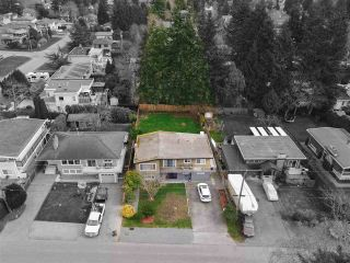 Photo 3: 1072 HABGOOD Street in Surrey: White Rock House for sale (South Surrey White Rock)  : MLS®# R2548430