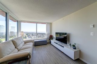 """Photo 8: 2209 6658 DOW Avenue in Burnaby: Metrotown Condo for sale in """"Moda by Polygon"""" (Burnaby South)  : MLS®# R2503244"""