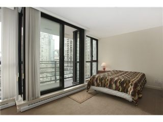"""Photo 4: 1608 909 MAINLAND Street in Vancouver: Yaletown Condo for sale in """"YALETOWN PARK"""" (Vancouver West)  : MLS®# V997068"""