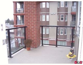 """Photo 6: 415 5516 198 Street in Langley: Langley City Condo for sale in """"MADISON VILLA"""" : MLS®# R2177316"""