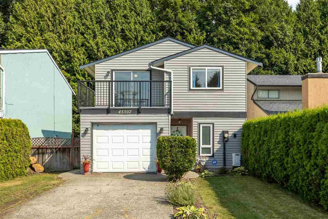 Main Photo: 45507 MCINTOSH DRIVE in Chilliwack: Chilliwack W Young-Well House for sale : MLS®# R2482972