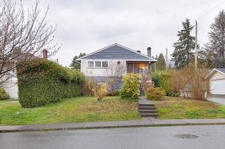 Photo 1: 314 W 20TH Street in North Vancouver: Central Lonsdale House for sale : MLS®# R2576256