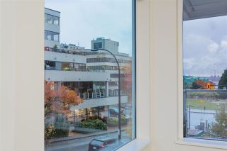 "Photo 8: 122 255 W 1ST Street in North Vancouver: Lower Lonsdale Condo for sale in ""West Quay"" : MLS®# R2515636"