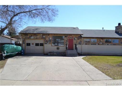 Main Photo: 446 T AVENUE N in Saskatoon: Mount Royal Single Family Dwelling for sale (Saskatoon Area 04)  : MLS®# 461488