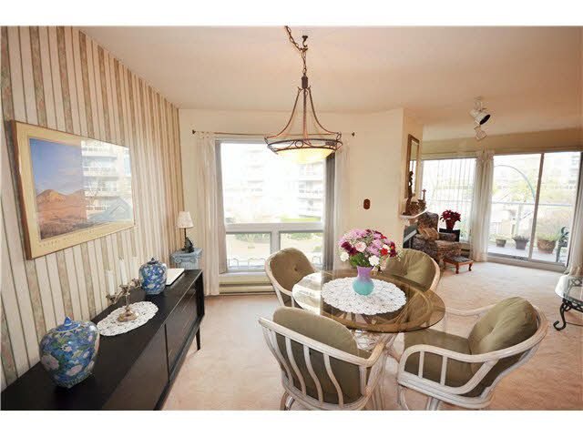 Main Photo: 301 1210 QUAYSIDE Drive in New Westminster: Quay Condo for sale : MLS®# V1099509