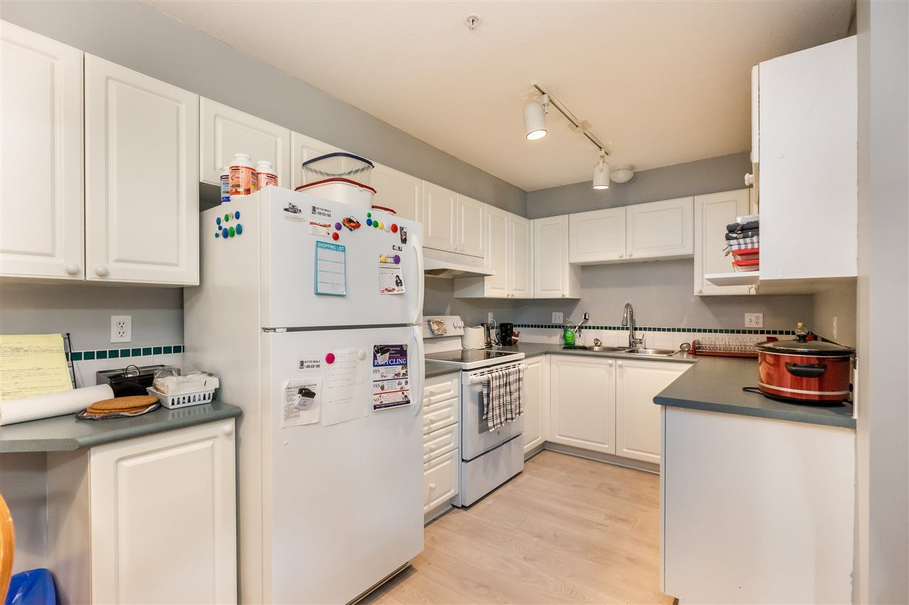 """Photo 9: Photos: 114 2750 FAIRLANE Street in Abbotsford: Central Abbotsford Condo for sale in """"The Fairlane"""" : MLS®# R2543289"""