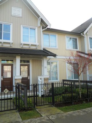 """Photo 2: 86 31032 WESTRIDGE Place in Abbotsford: Abbotsford West Townhouse for sale in """"Harvest"""" : MLS®# R2427733"""