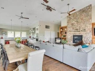 Photo 7: 410 16388 64 Avenue in SURREY: Condo for sale (Cloverdale)  : MLS®# R2554803
