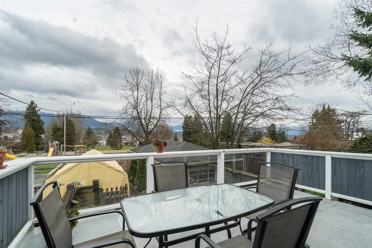 Main Photo: 2653 TRINITY Street in Vancouver: Hastings East House for sale (Vancouver East)  : MLS®# R2044398