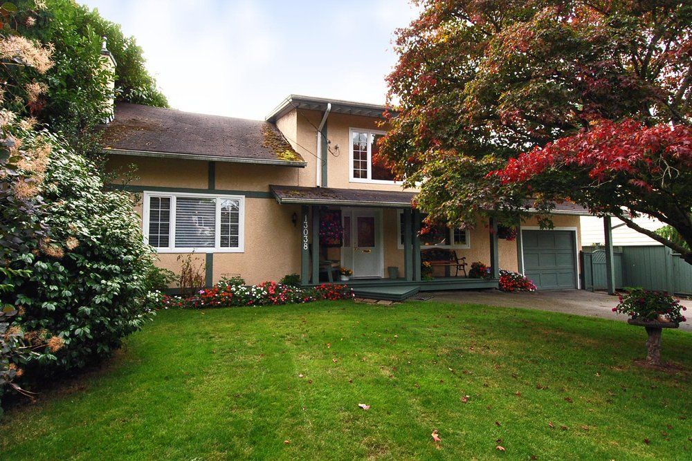 Main Photo: 13038 15A Avenue in South Surrey: Home for sale : MLS®# F2922192