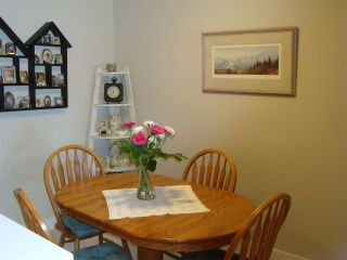 "Photo 3: 415 12238 224 Street in Maple Ridge: East Central Condo for sale in ""Urbano"" : MLS®# R2158877"