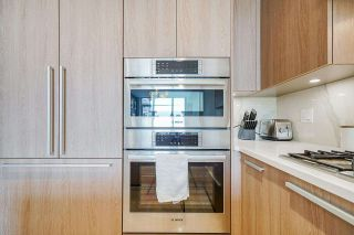 """Photo 8: 402 2738 LIBRARY Lane in North Vancouver: Lynn Valley Condo for sale in """"RESIDENCES AT LYNN VALLEY"""" : MLS®# R2589943"""