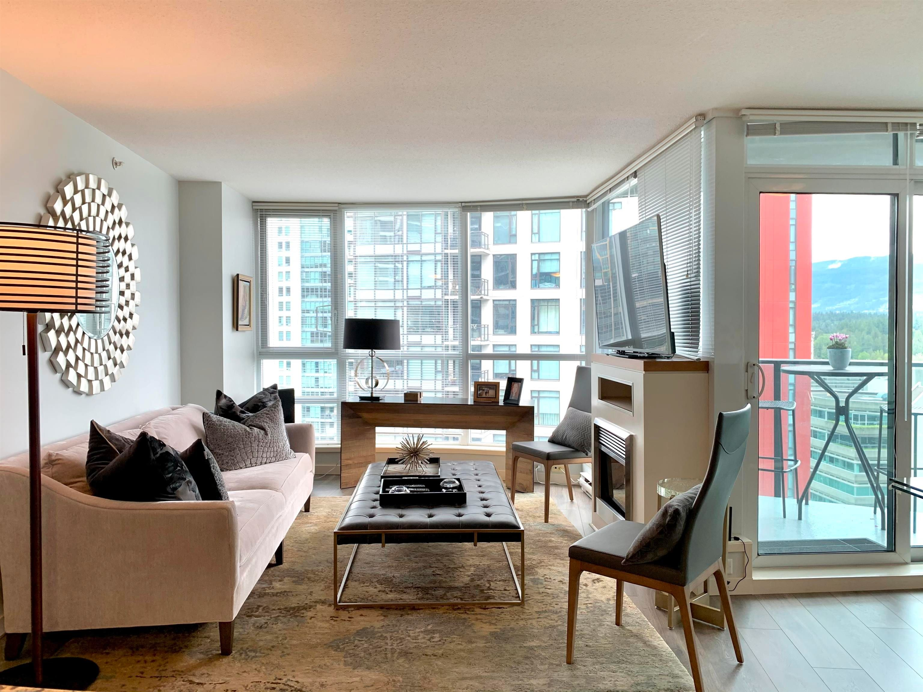 """Main Photo: 1701 1189 MELVILLE Street in Vancouver: Coal Harbour Condo for sale in """"THE MELVILLE"""" (Vancouver West)  : MLS®# R2617274"""