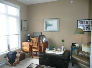 Photo 9: 404 4211 Bayview Street in The Village: Home for sale : MLS®# V821966