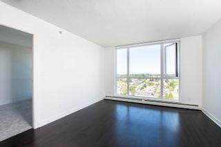 """Photo 3: 2002 10777 UNIVERSITY Drive in Surrey: Whalley Condo for sale in """"CITY POINT"""" (North Surrey)  : MLS®# R2595806"""