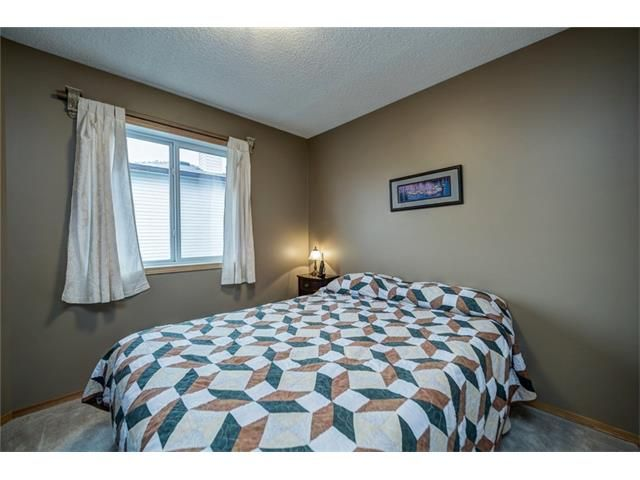 Photo 30: Photos: 137 COVE Court: Chestermere House for sale : MLS®# C4090938