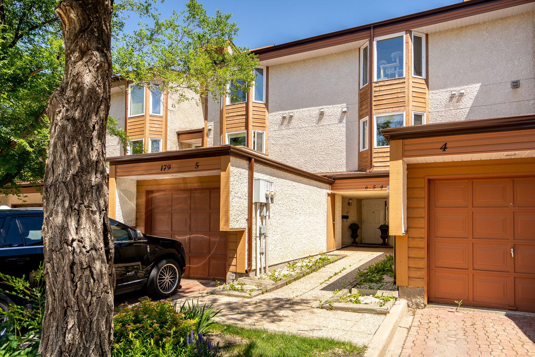 Main Photo: 6 179 Hamilton Avenue in Winnipeg: Crestview House for sale (5H)  : MLS®# 202015805