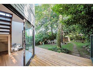 """Photo 11: 284 E 18TH Avenue in Vancouver: Main House for sale in """"Main Street"""" (Vancouver East)  : MLS®# V1068280"""
