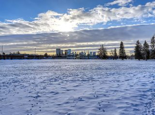 Photo 1: 432 18 Avenue NE in Calgary: Winston Heights/Mountview Detached for sale : MLS®# C4279121