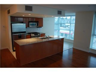 Photo 4: 703 188 E ESPLANADE Street in North Vancouver: Lower Lonsdale Condo for sale : MLS®# V859653
