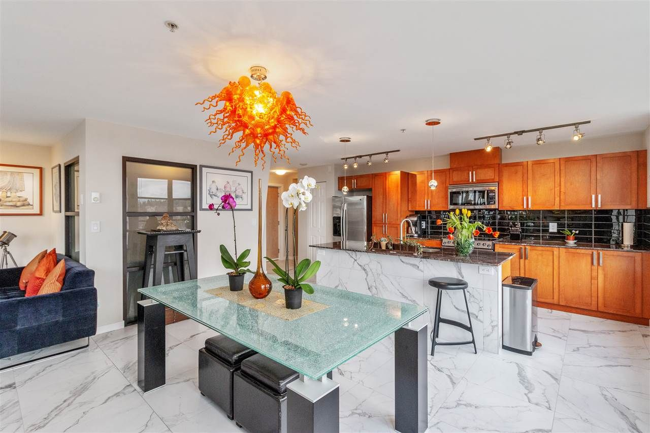 """Main Photo: 802 306 SIXTH Street in New Westminster: Uptown NW Condo for sale in """"Amadeo"""" : MLS®# R2558618"""