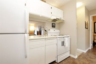 """Photo 15: 301 140 E 4TH Street in North Vancouver: Lower Lonsdale Condo for sale in """"Harbourside Terrace"""" : MLS®# R2189487"""