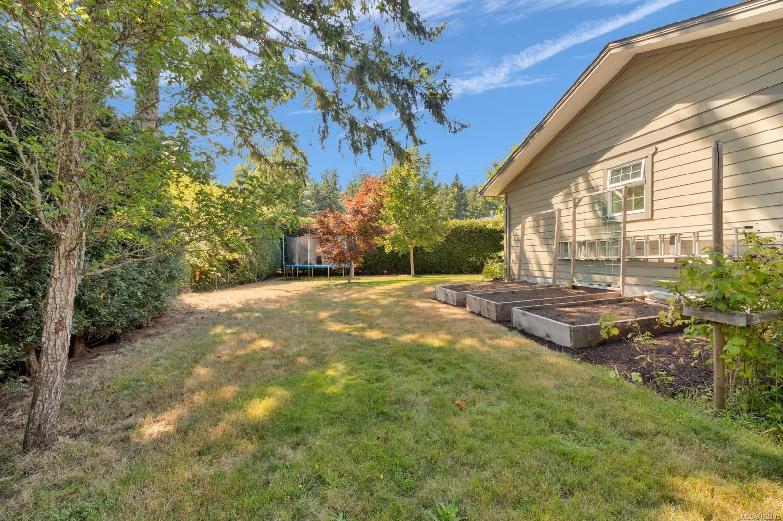Photo 34: Photos: 375 Butchers Rd in : CV Comox (Town of) House for sale (Comox Valley)  : MLS®# 882495