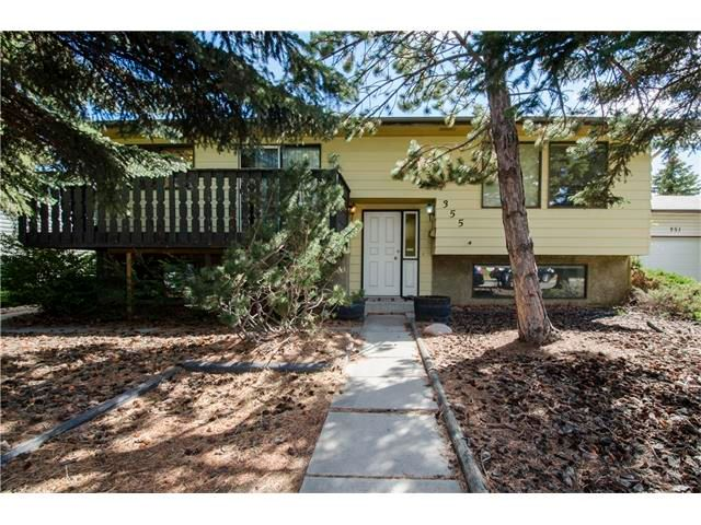 Main Photo: 355 NORSEMAN RD NW in Calgary: North Haven Upper House for sale : MLS®# C4062934