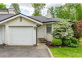 """Photo 1: 12 20761 TELEGRAPH Trail in Langley: Walnut Grove Townhouse for sale in """"Woodbridge"""" : MLS®# R2456523"""