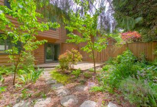 """Photo 16: 205 CAMBRIDGE Way in Port Moody: College Park PM Townhouse for sale in """"EASTHILL"""" : MLS®# R2371317"""