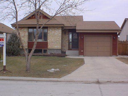 Main Photo: 35 Sauve Cr.: Residential for sale (St. Vital)  : MLS®# 0