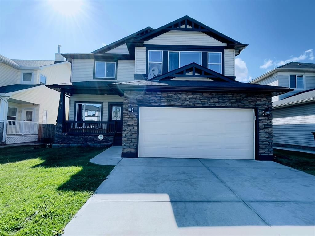 Main Photo: 213 Hawkmere Close: Chestermere Detached for sale : MLS®# A1141076