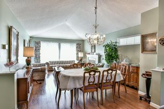 "Photo 6: 14 17917 68 Avenue in Surrey: Cloverdale BC Townhouse for sale in ""Weybridge Lane"" (Cloverdale)  : MLS®# R2206095"