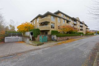 """Photo 2: 406 13780 76 Avenue in Surrey: East Newton Condo for sale in """"Earls Court"""" : MLS®# R2515734"""