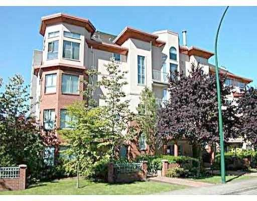 """Main Photo: 202 111 W 5TH ST in North Vancouver: Lower Lonsdale Condo for sale in """"C&C PROPERTIES"""" : MLS®# V575787"""