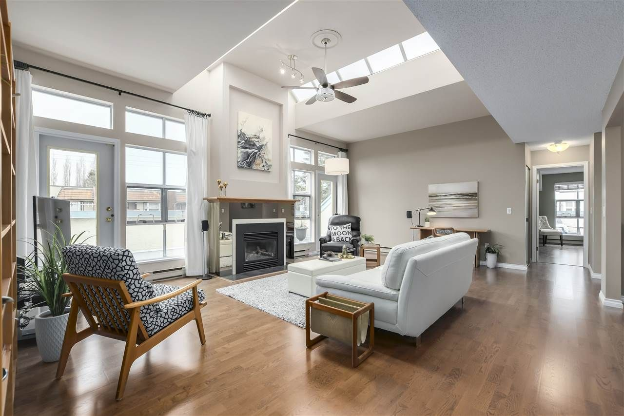 """Photo 3: Photos: 304 7580 MINORU Boulevard in Richmond: Brighouse South Condo for sale in """"CARMEL POINT"""" : MLS®# R2369650"""