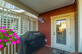 """Photo 10: 23009 JENNY LEWIS Avenue in Langley: Fort Langley House for sale in """"Bedford Landing"""" : MLS®# R2506566"""