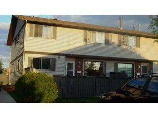 Photo 1: 18 740 BRACEWOOD Drive SW in CALGARY: Braeside_Braesde Est Townhouse for sale (Calgary)  : MLS®# C3586408