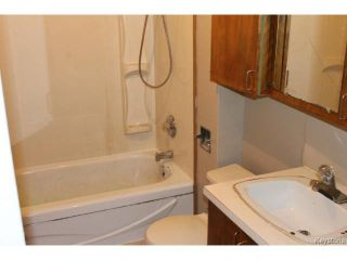 Photo 10: 1343 Logan Avenue in WINNIPEG: Brooklands / Weston Residential for sale (West Winnipeg)  : MLS®# 1415216