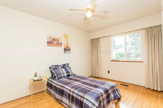 Photo 18: 809 RUNNYMEDE Avenue in Coquitlam: Coquitlam West House for sale : MLS®# R2600920