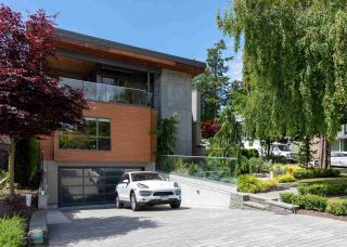 """Photo 2: 1451 BISHOP Road: White Rock House for sale in """"West White Rock"""" (South Surrey White Rock)  : MLS®# R2591430"""