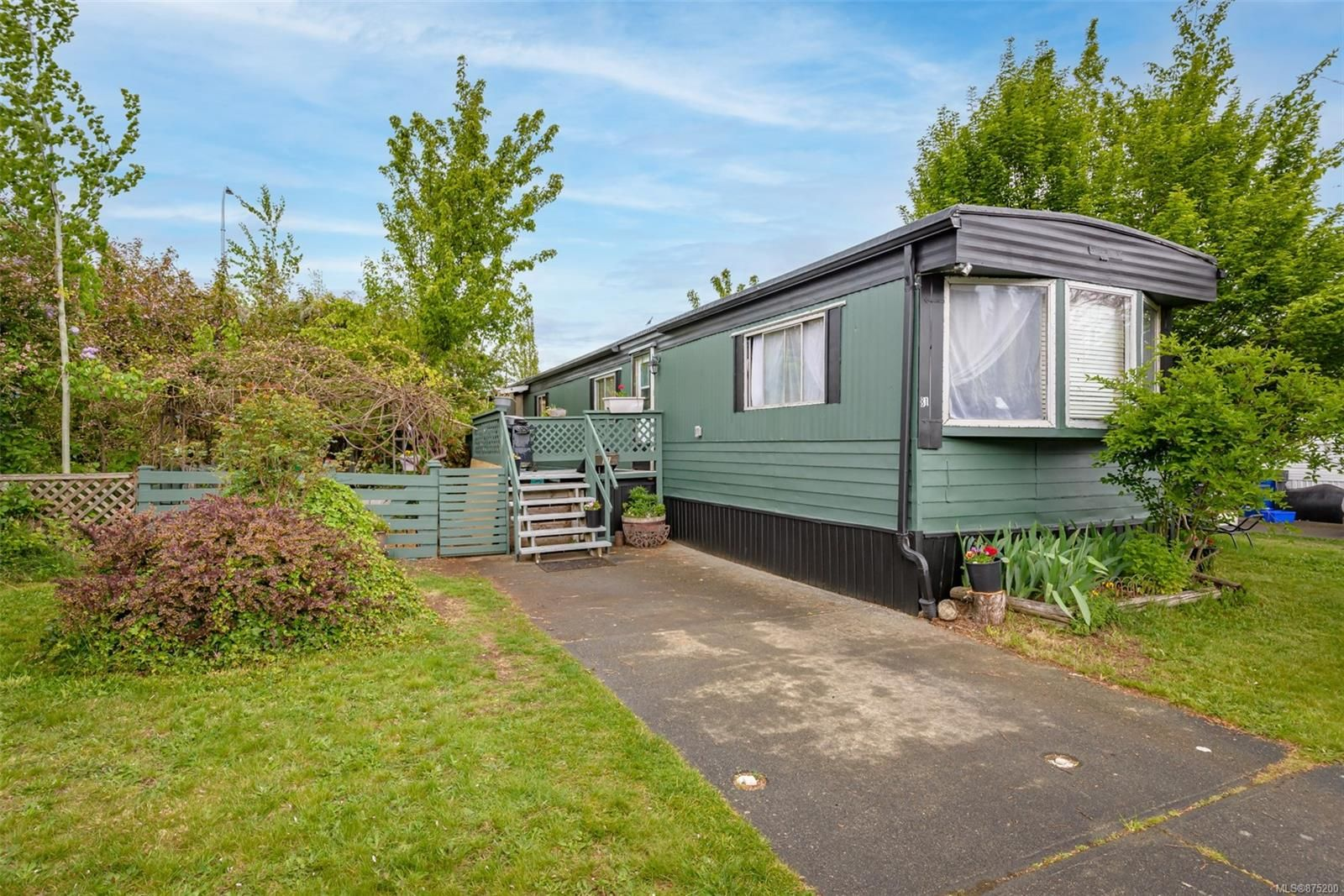 Main Photo: 81 390 Cowichan Ave in : CV Courtenay East Manufactured Home for sale (Comox Valley)  : MLS®# 875200