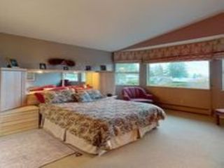 """Photo 18: 13381 MARINE Drive in Surrey: Crescent Bch Ocean Pk. House for sale in """"Ocean Park"""" (South Surrey White Rock)  : MLS®# R2546593"""