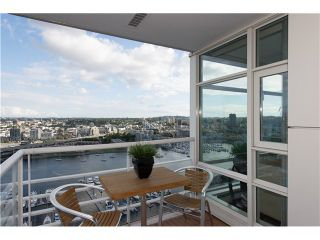 """Photo 6: # 3002 1199 MARINASIDE CR in Vancouver: Yaletown Condo for sale in """"Aquarius Mews"""" (Vancouver West)  : MLS®# V1029094"""
