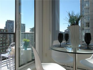 """Photo 12: 1807 1001 HOMER Street in Vancouver: Yaletown Condo for sale in """"The Bentley"""" (Vancouver West)  : MLS®# V1076353"""