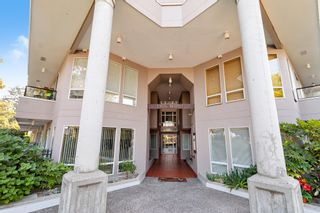 """Photo 2: 311 1988 MAPLE Street in Vancouver: Kitsilano Condo for sale in """"THE MAPLES"""" (Vancouver West)  : MLS®# R2497159"""