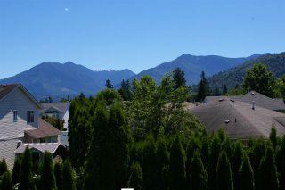 Photo 14: 5972 DEERFIELD Crescent in Chilliwack: Vedder S Watson-Promontory House for sale (Sardis)  : MLS®# R2076061